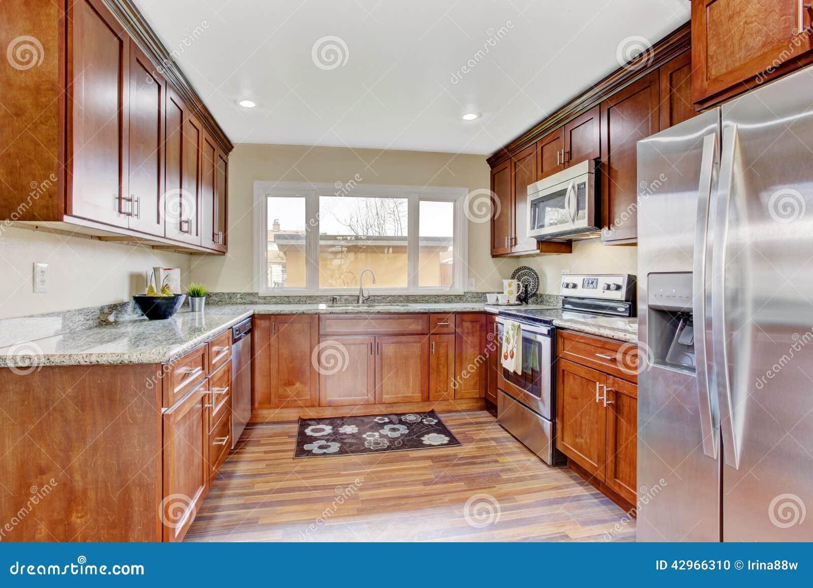 fenetre de cuisine plantes de cuisine conseils pratiques et astuces pour vous cuisine rideau. Black Bedroom Furniture Sets. Home Design Ideas