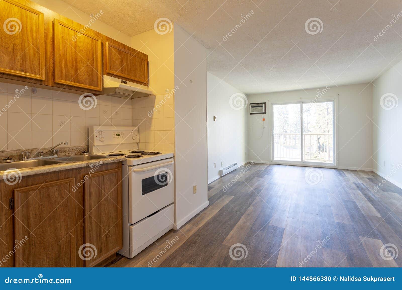 Piece Vide Vide D Appartement Photo Stock Image Du Appartement Piece 144866380