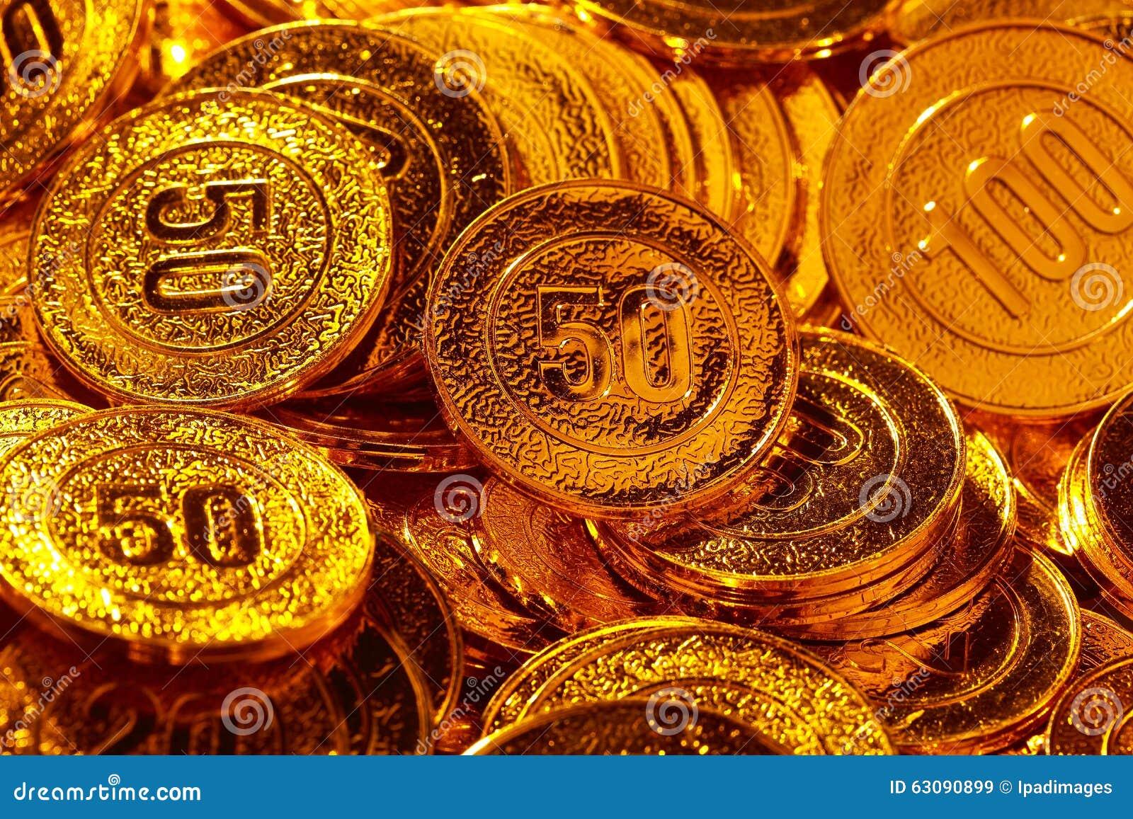 Download Pièces De Monnaie D'or Empilées Dans Un Tas De Fond Image stock - Image du neuf, graphisme: 63090899