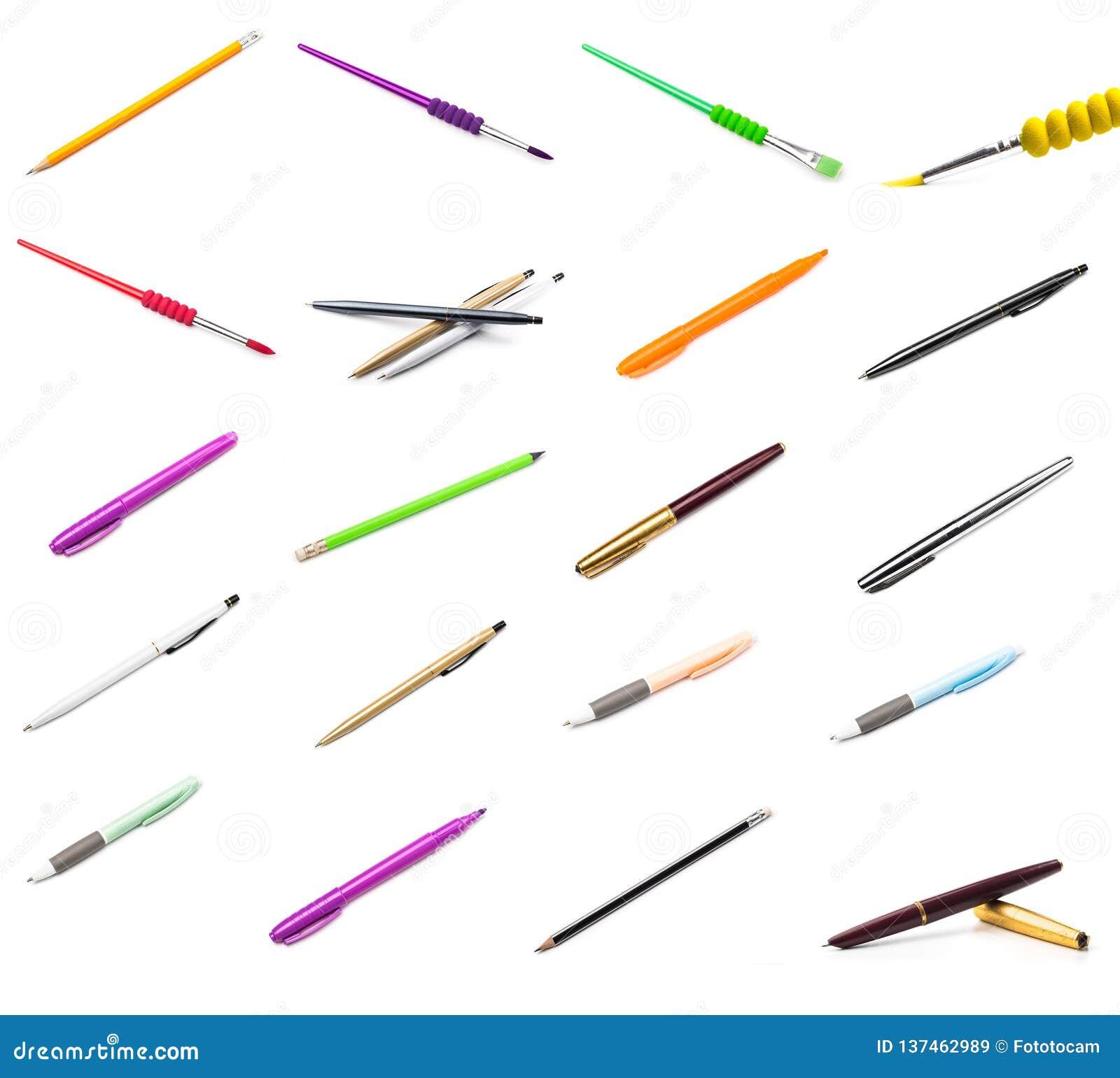 Pióra i ołówki na białym tle, muśnięcia