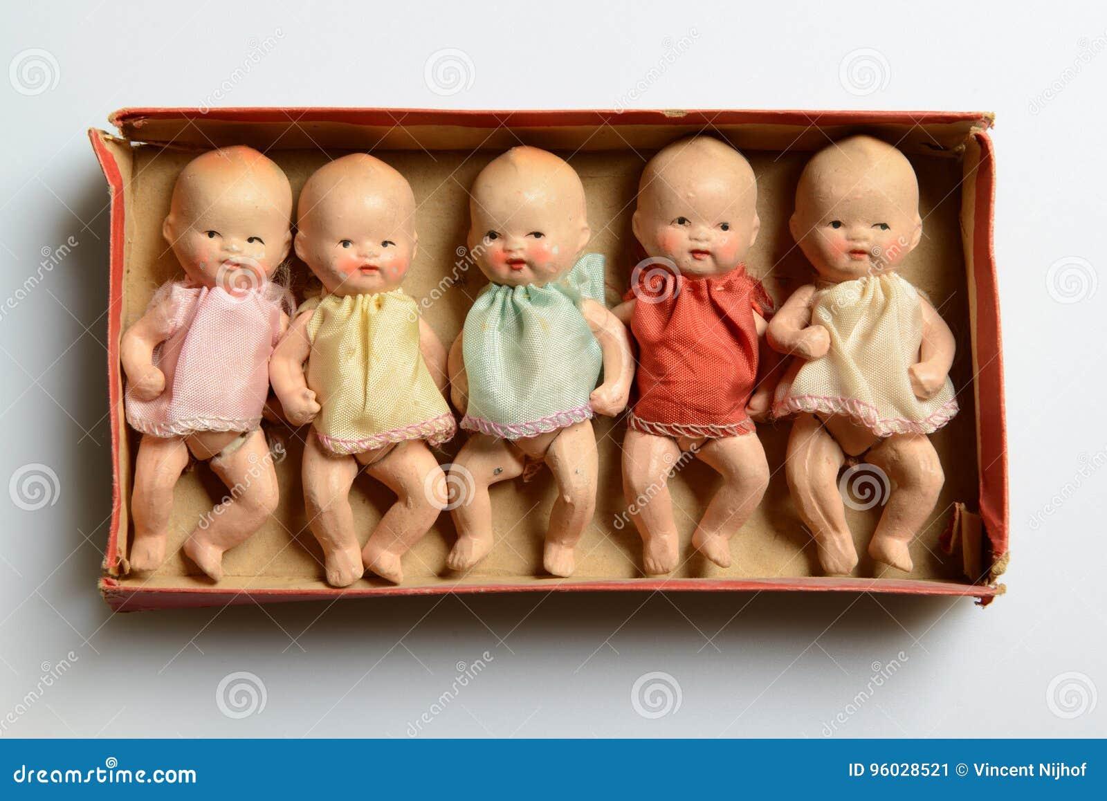 Pięć małych lal w pudełku, retro zabawki
