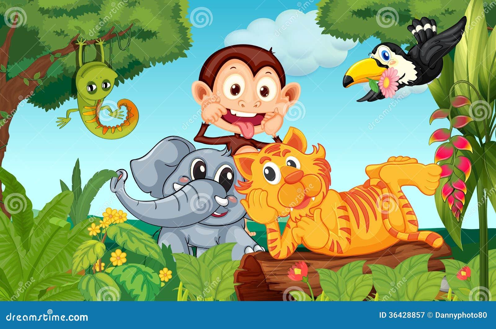 Pięć zwierząt przy lasem