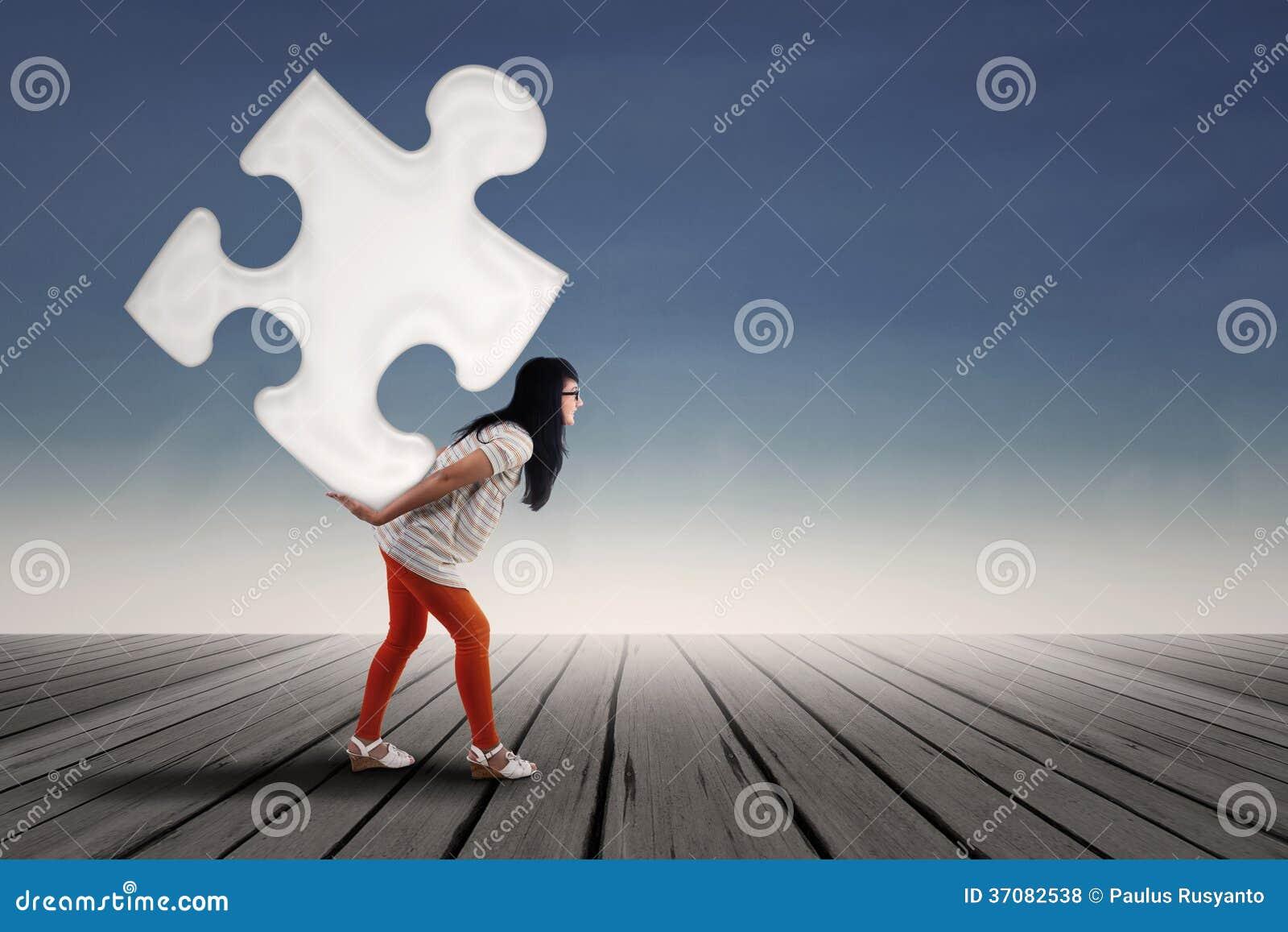Download Piękna Dziewczyna Udźwigu łamigłówka Zdjęcie Stock - Obraz złożonej z pomysł, femaleness: 37082538