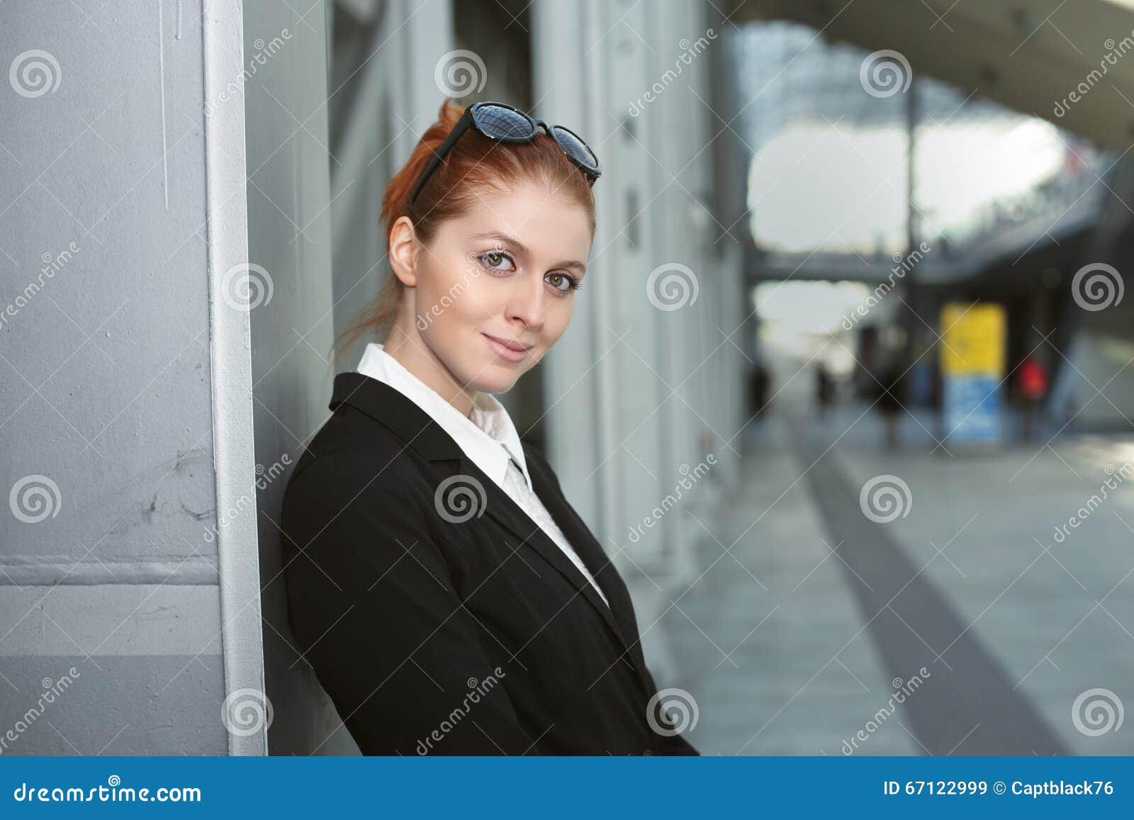 Piękna kobieta jednostek gospodarczych