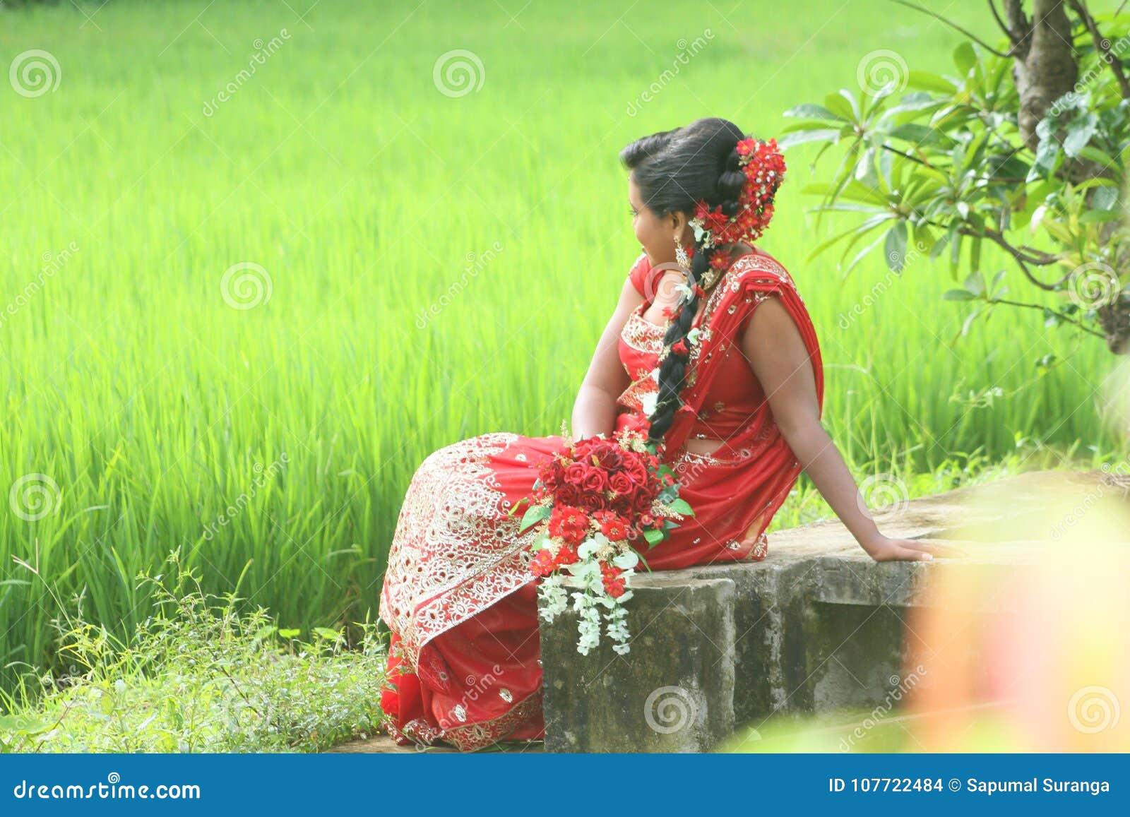 Piękna lankijczyk panny młodej o ślubna fotografia