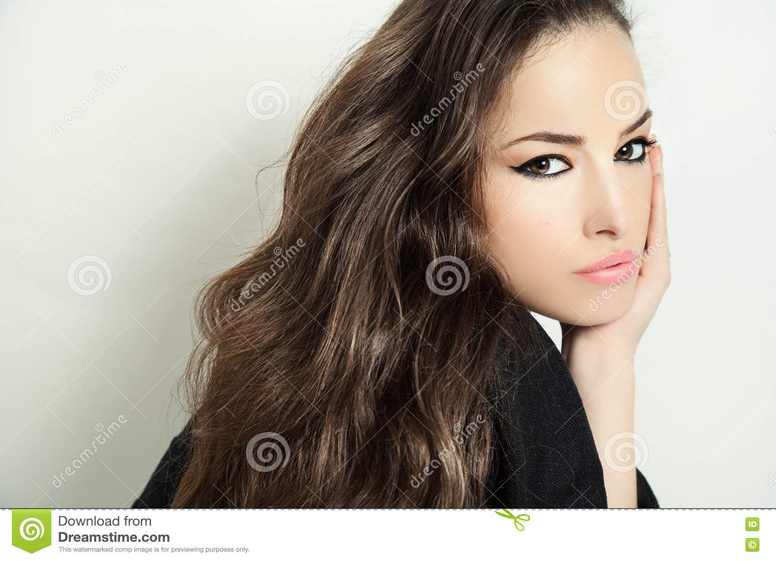 Piękna odosobniony portreta biel