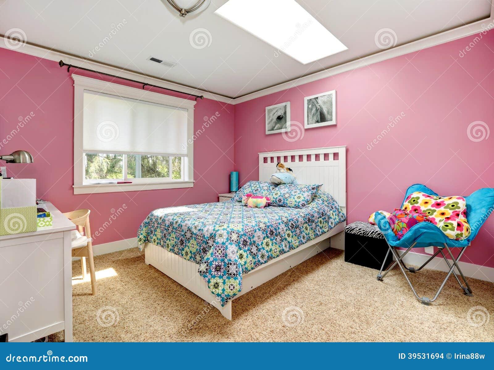 Piękna Różowa Sypialnia Dla Dziewczyn Zdjęcie Stock ...