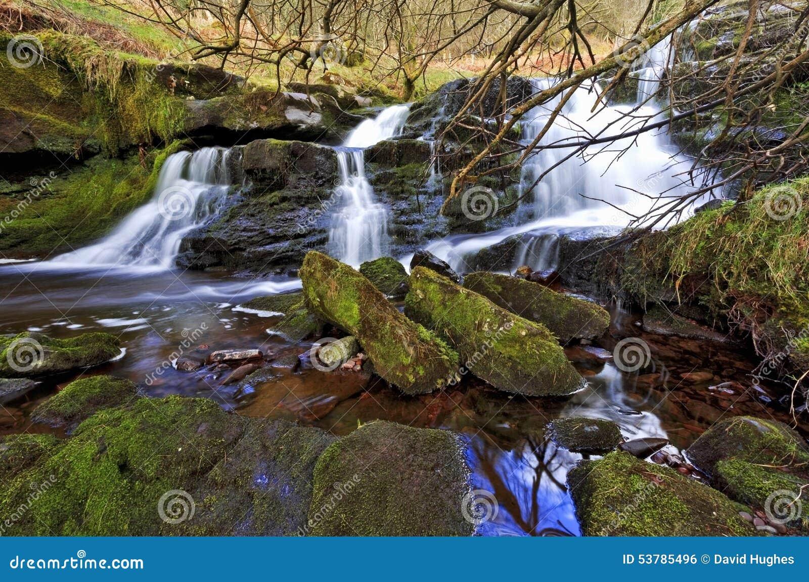 Piękna siklawa, Afon Caerfanell halna rzeka, Blaen-y-Glyn