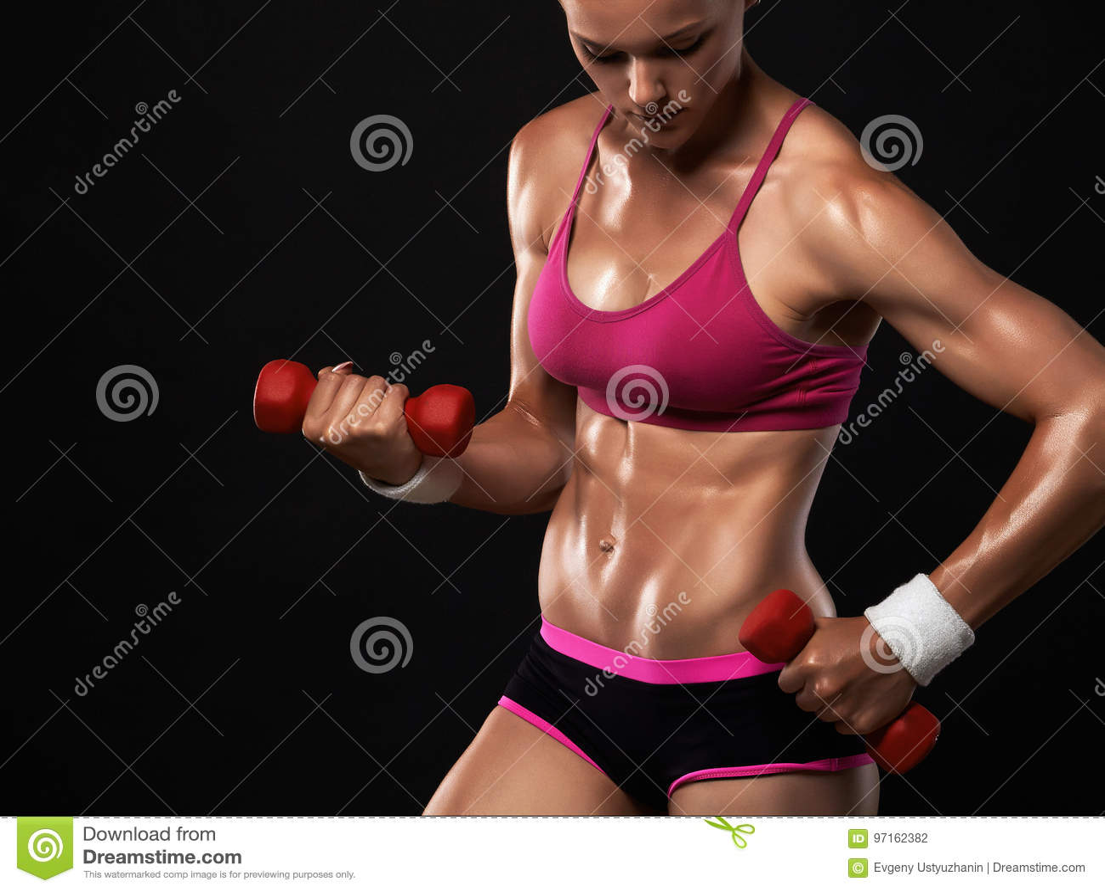 Piękna sport dziewczyna w gym