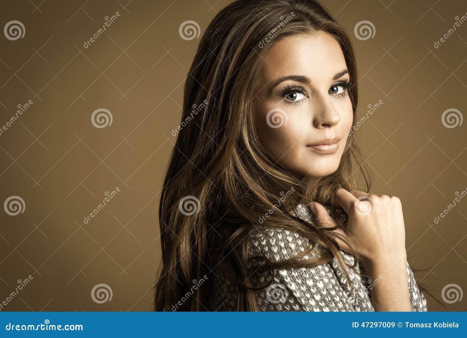 Piękne kobiety young