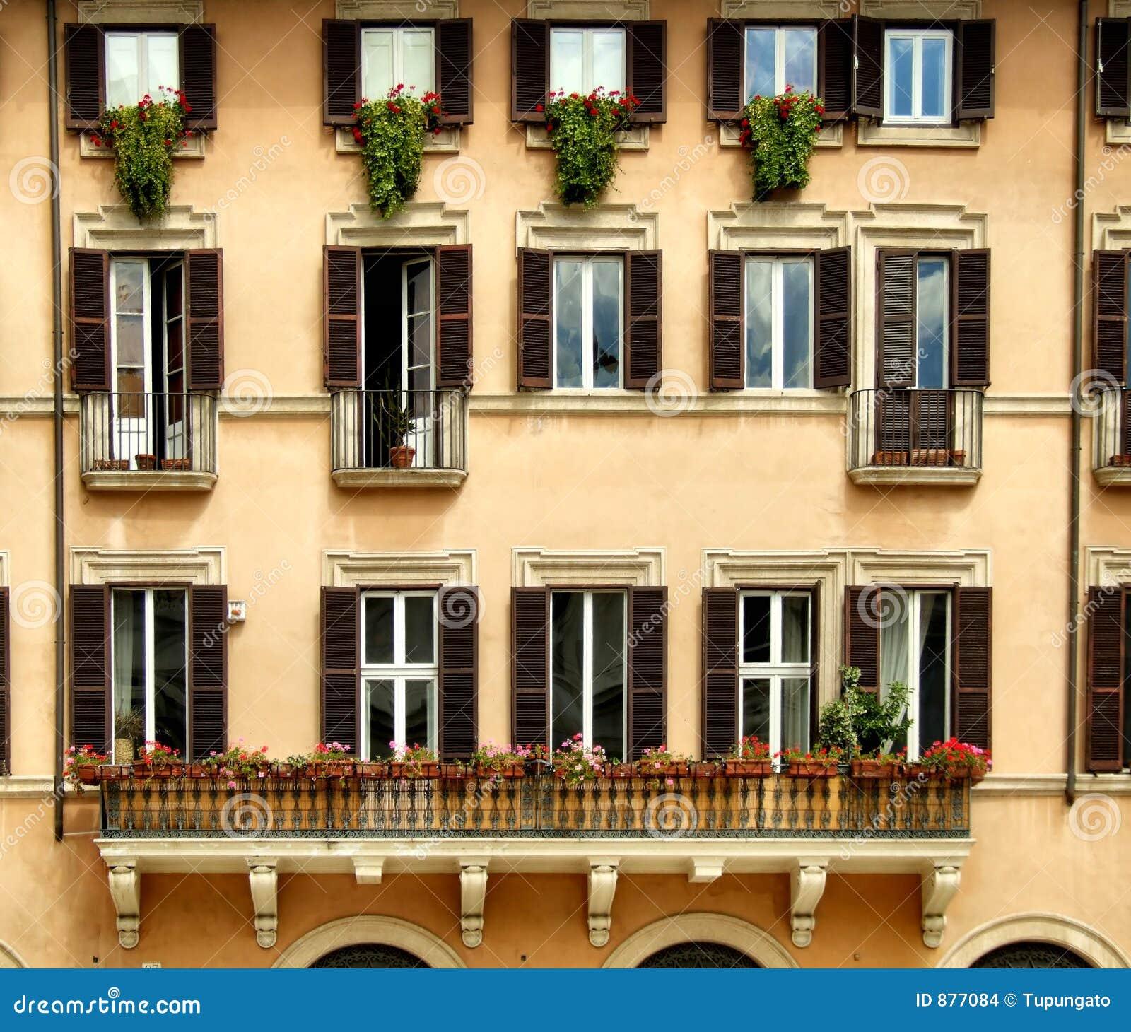 Piękne okna składu