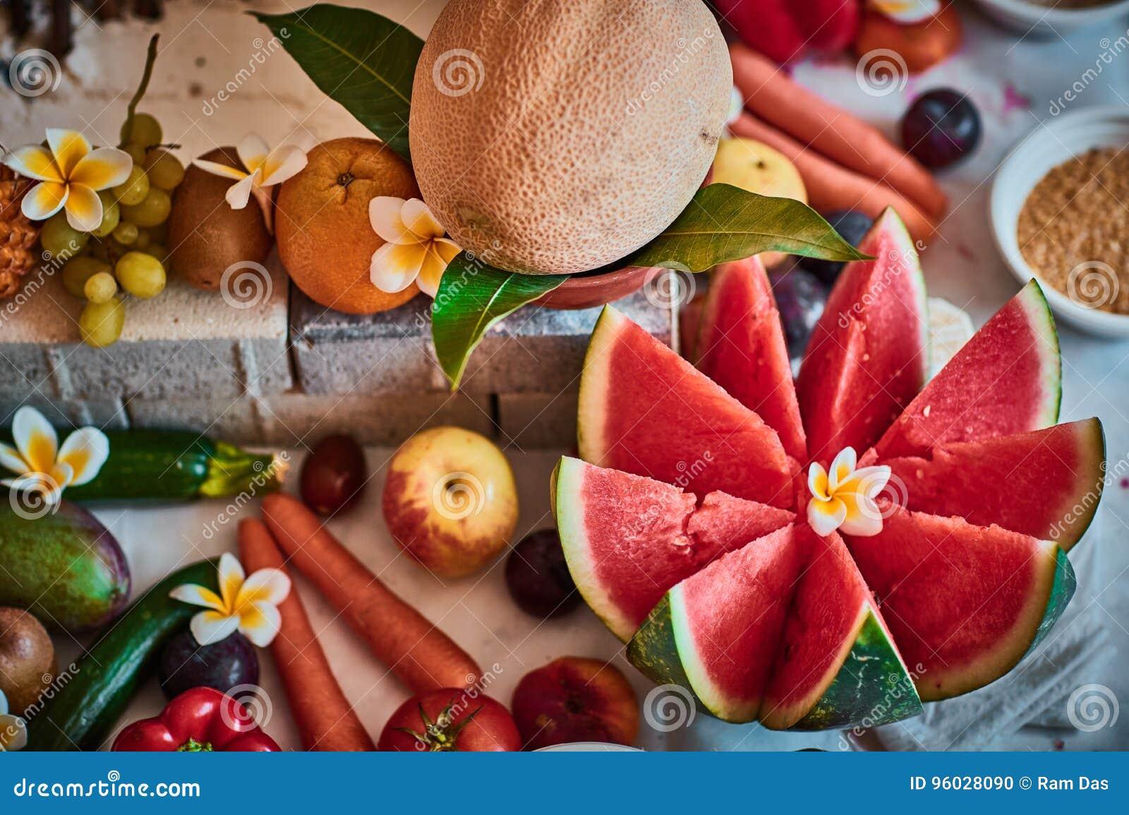 Piękne pokrojone owoc układać dla vedic ślubu