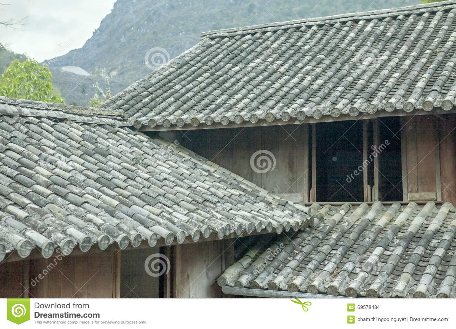 Pięknej architektury drewniani domy, Vuong Domowy pałac