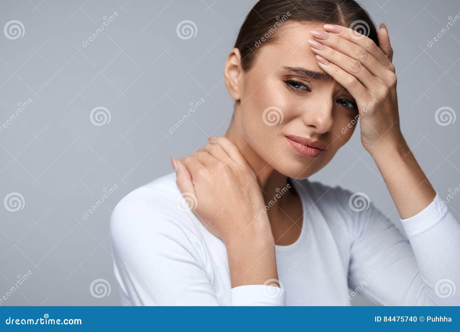Pięknej kobiety Czuciowa choroba, Mieć migrenę, Bolesny ciało ból