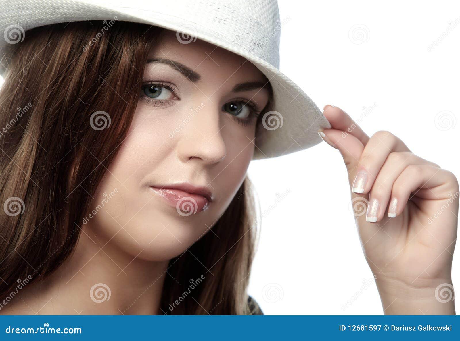Pięknie kapeluszowa kobieta