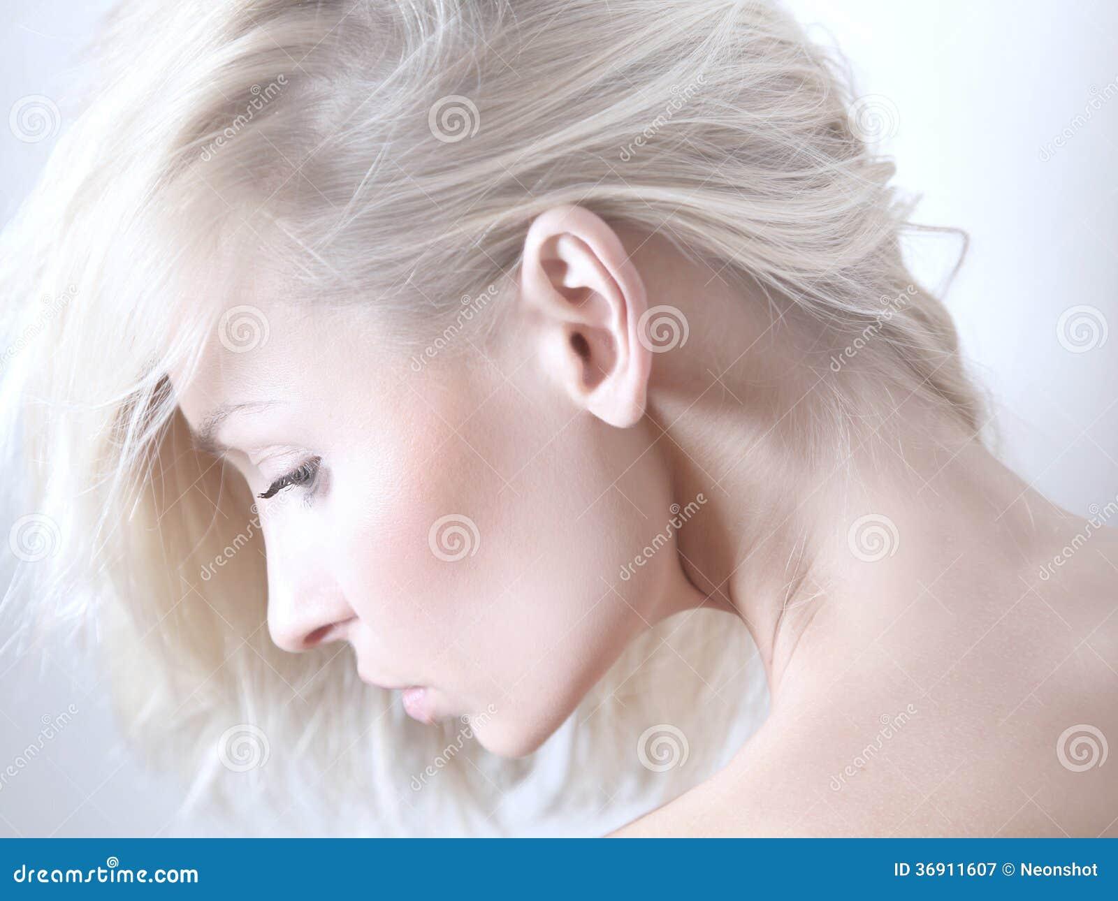 Piękno portret delikatna blondynki kobieta.