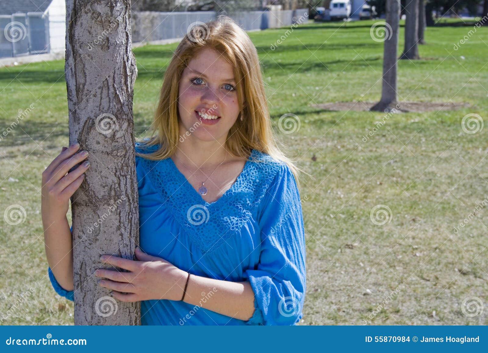 Piękno w błękicie W parku