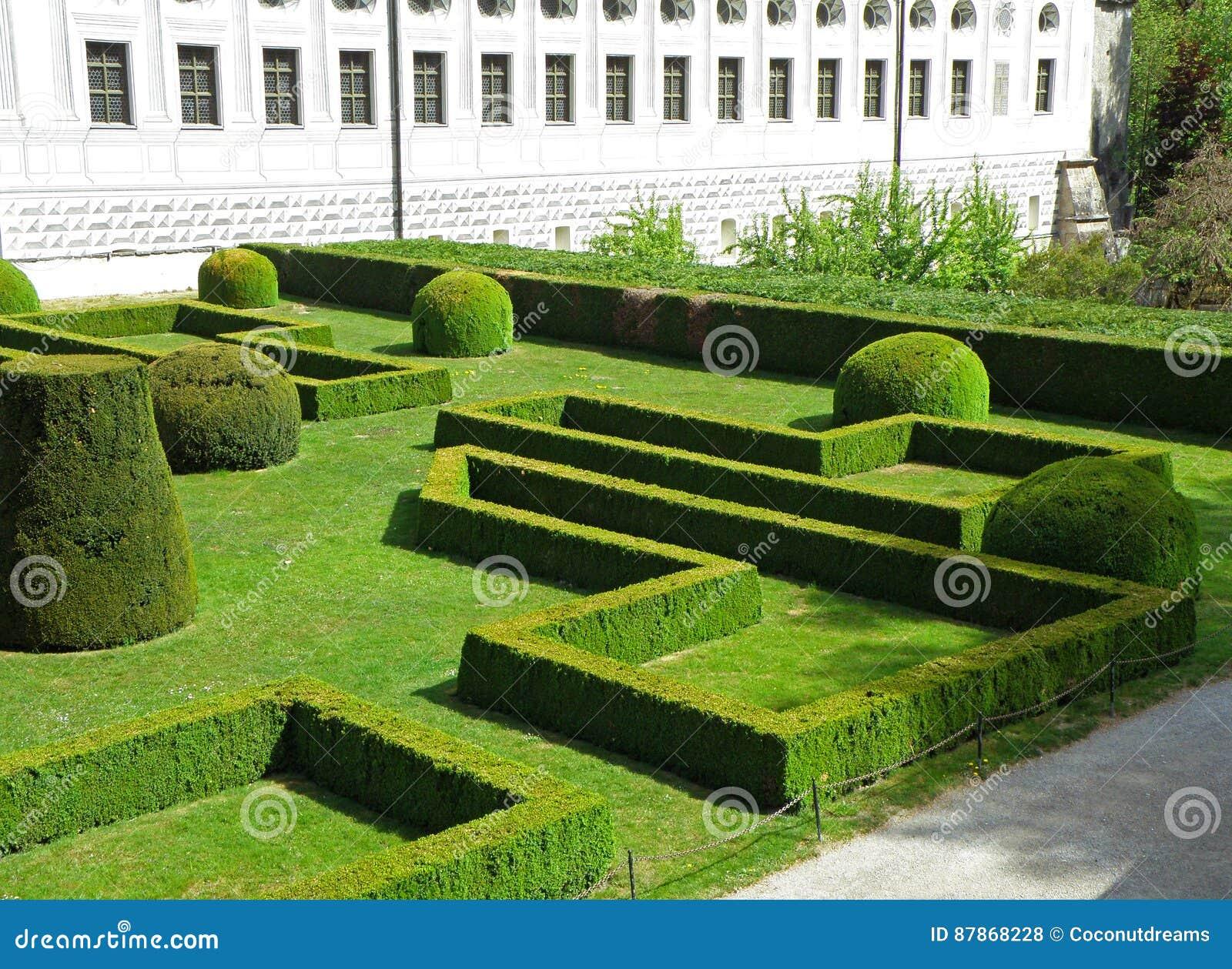 Piękny angielszczyzna ogród Ambras kasztel, Innsbruck