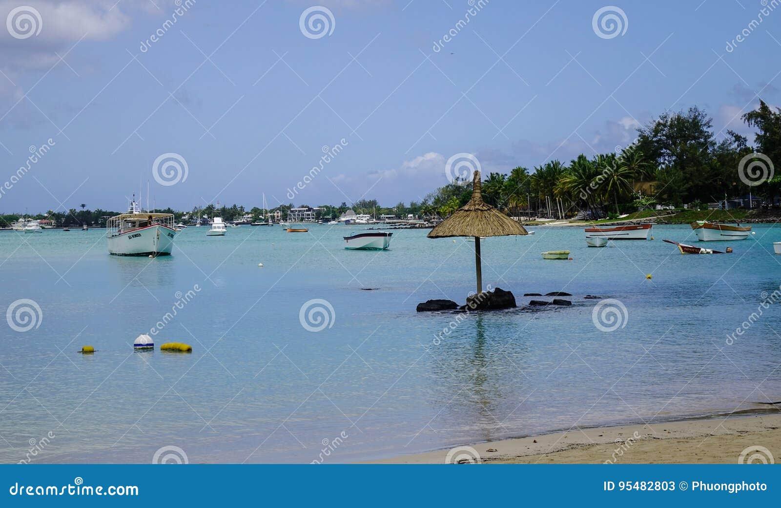 Piękny morze w Uroczystym Baie, Mauritius