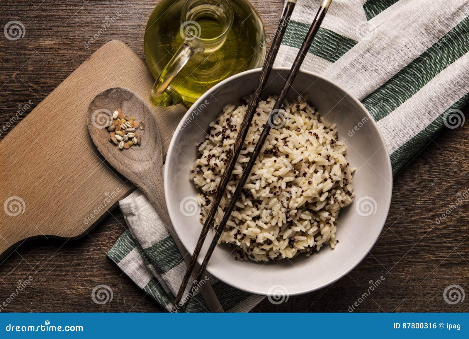 Piękny naczynie quinoa ryżowy japoński styl