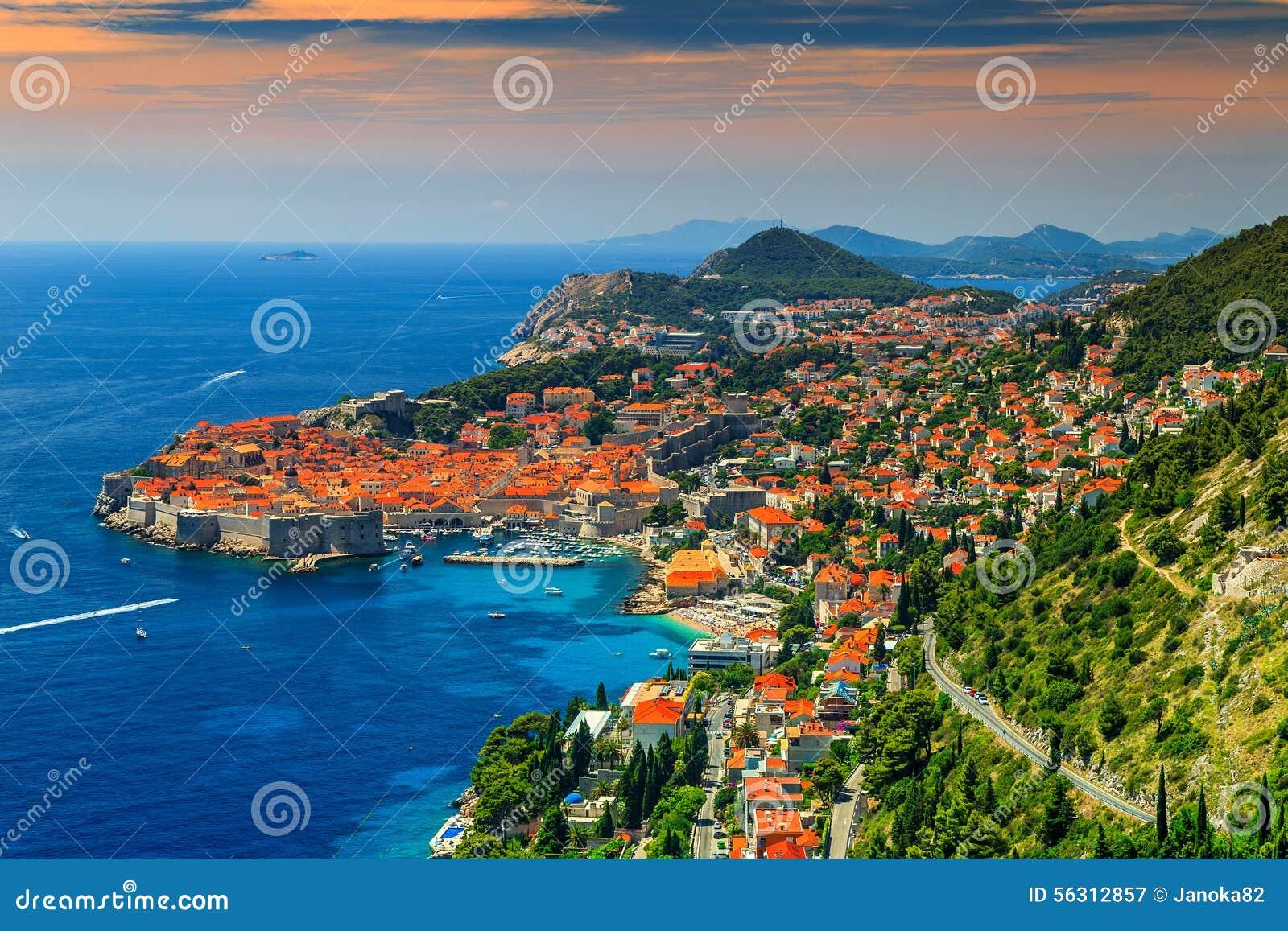 Piękny panoramiczny widok izolujący miasto, Dubrovnik, Dalmatia, Chorwacja