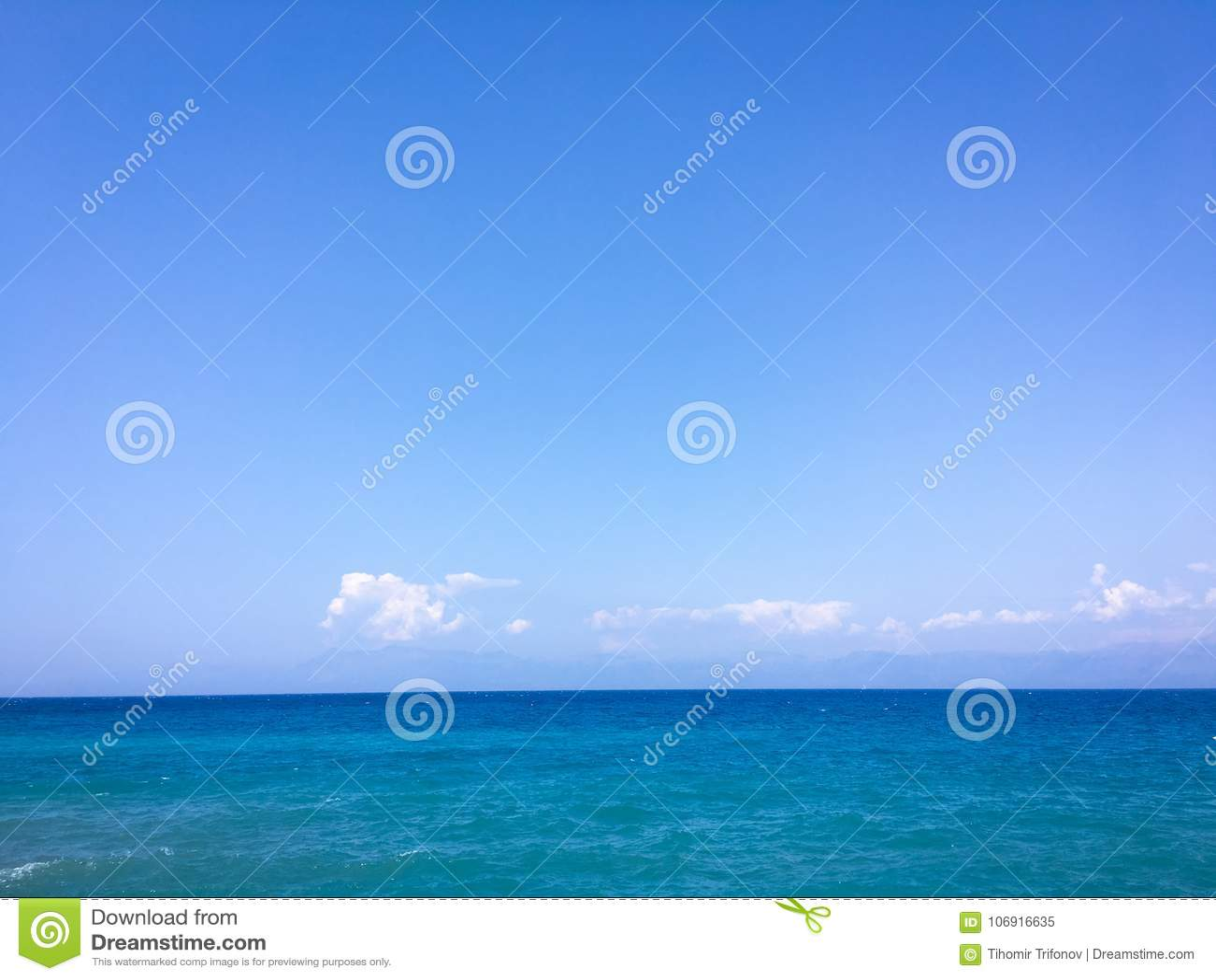Piękny tła błękit chmurnieje niebo Niebo z chmury natury chmury pogodowym błękitem błękit nieba chmury słońce