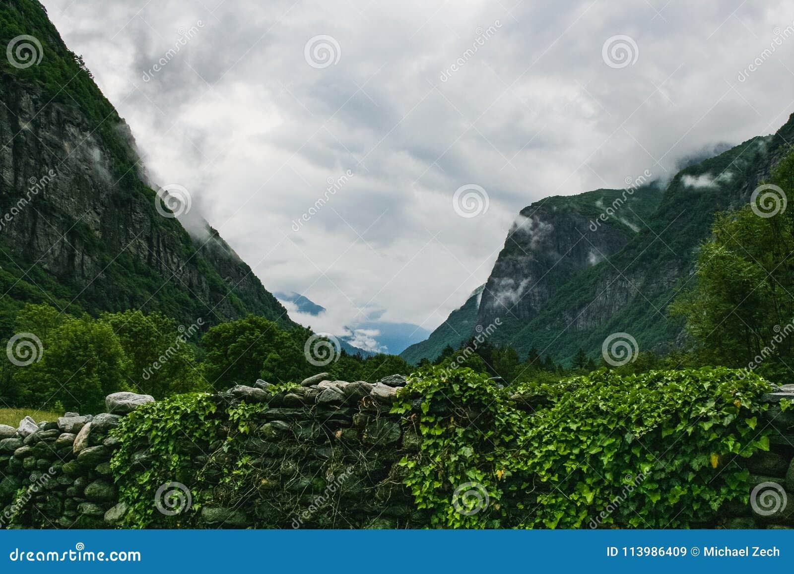 Piękny Valle maggia natury krajobraz Switzerland
