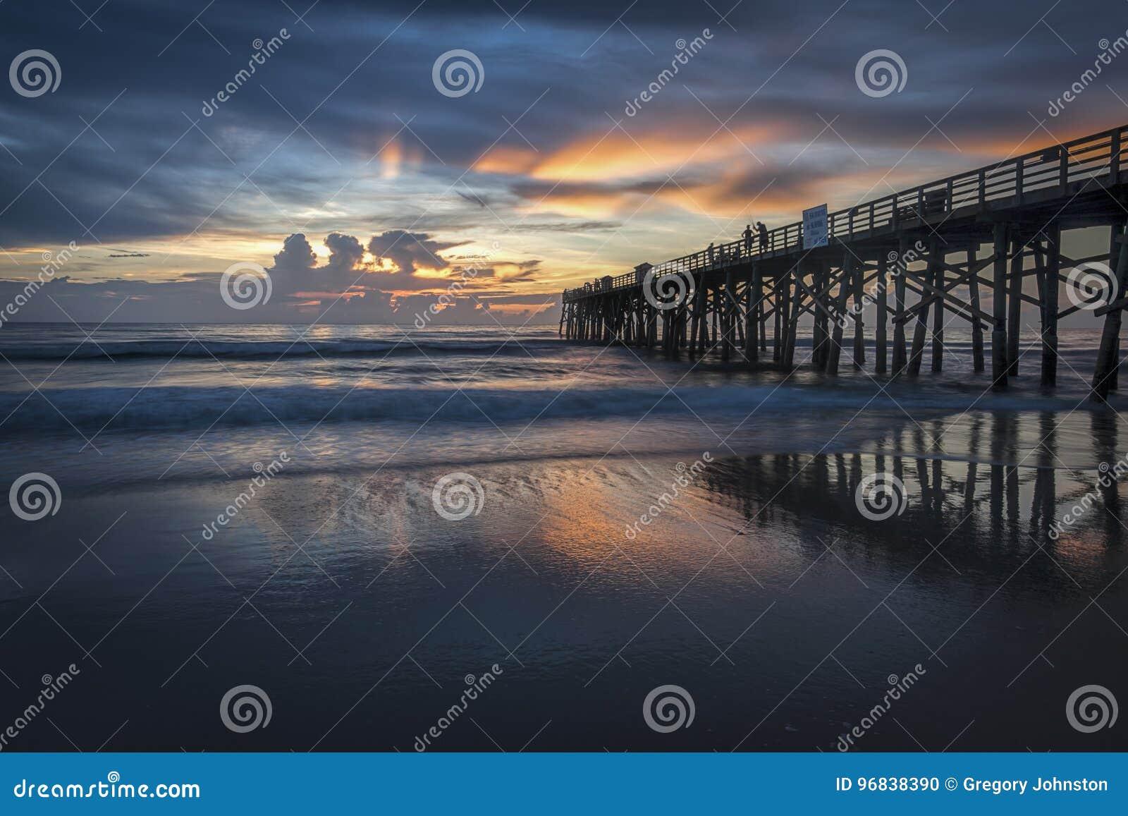 Piękny wschód słońca wzdłuż Floryda wybrzeża