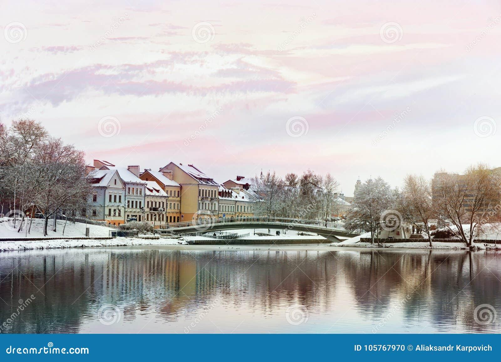 Piękny zima widok stary miasteczko minister Białoruś