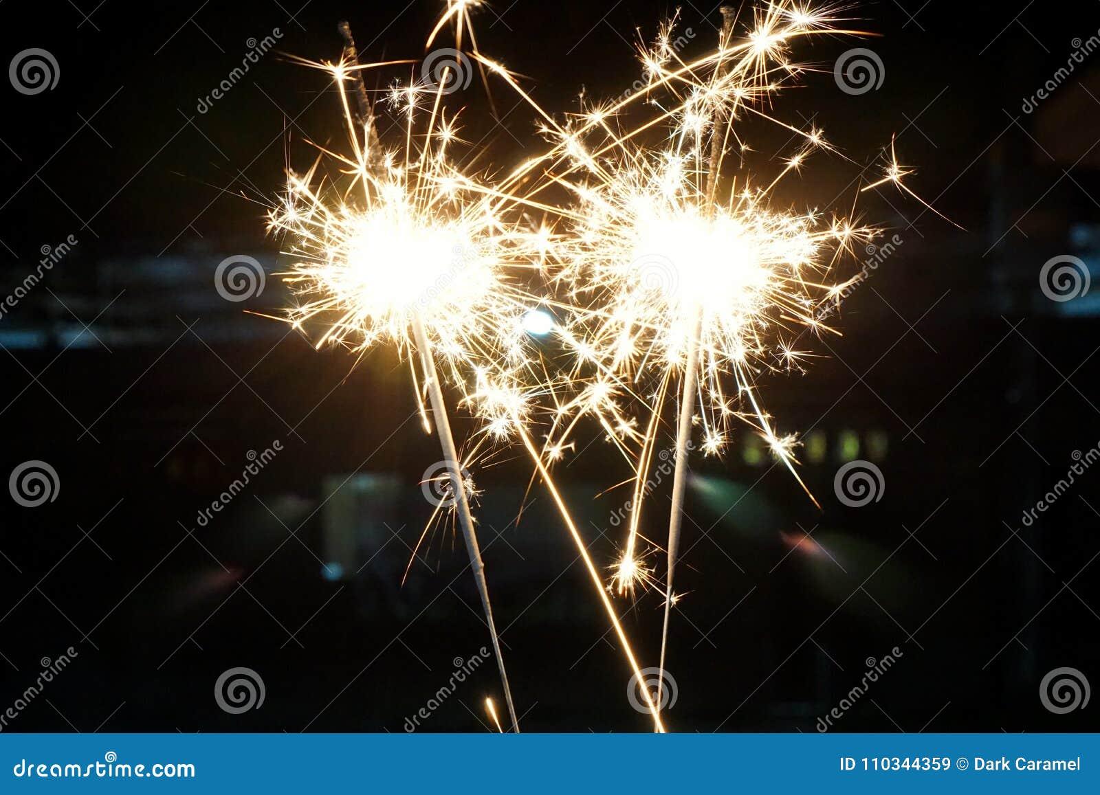 Pięknych sparklers pożarniczy krakers dla Chińskiego nowego roku,