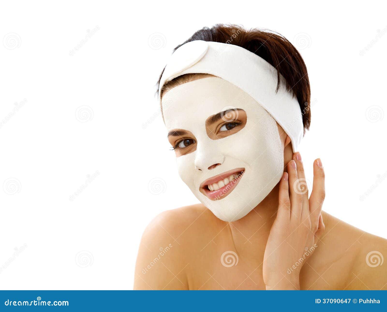 Download Piękna Kobieta Dostaje Zdroju Traktowanie. Kosmetyk Maska Na Twarzy. Obraz Stock - Obraz złożonej z glina, potomstwa: 37090647