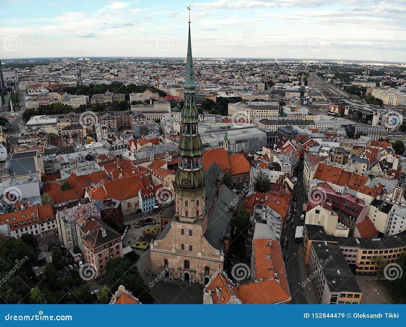 Pi?kny widok od above Stara część grodzki Ryski Kapitał Latvia, Europa Trute? fotografia Tworzący DJI Mavic