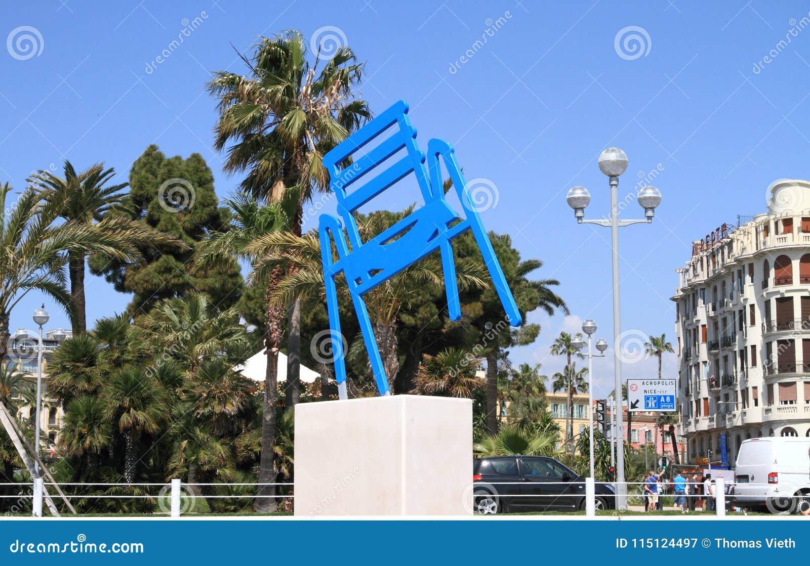 Sedie Blu Nizza : Piacevole la francia sedia blu del ` s di sabine geraudie a