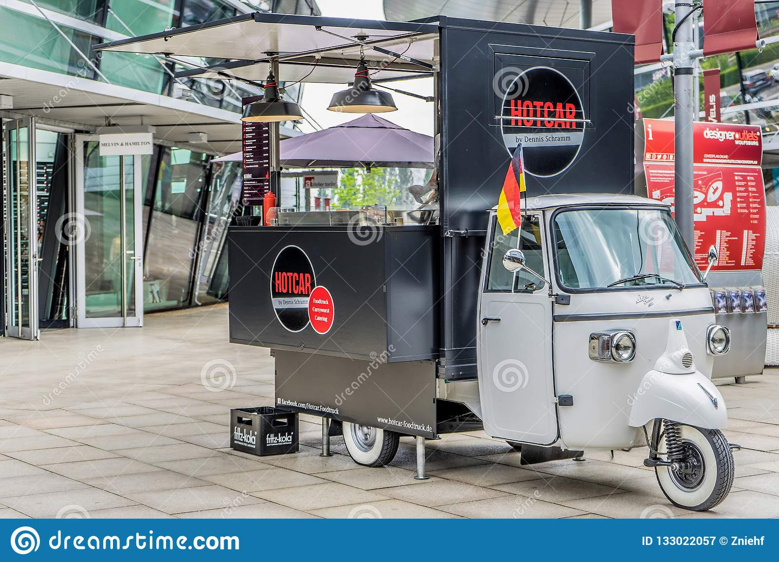 Piaggio Ape Classic 400 Platform Truck Converted Into A Rolling Sales Stand For Streetfood With Curry Sausage Hamburgers French Editorial Photography Image Of Curry Tasty 133022057
