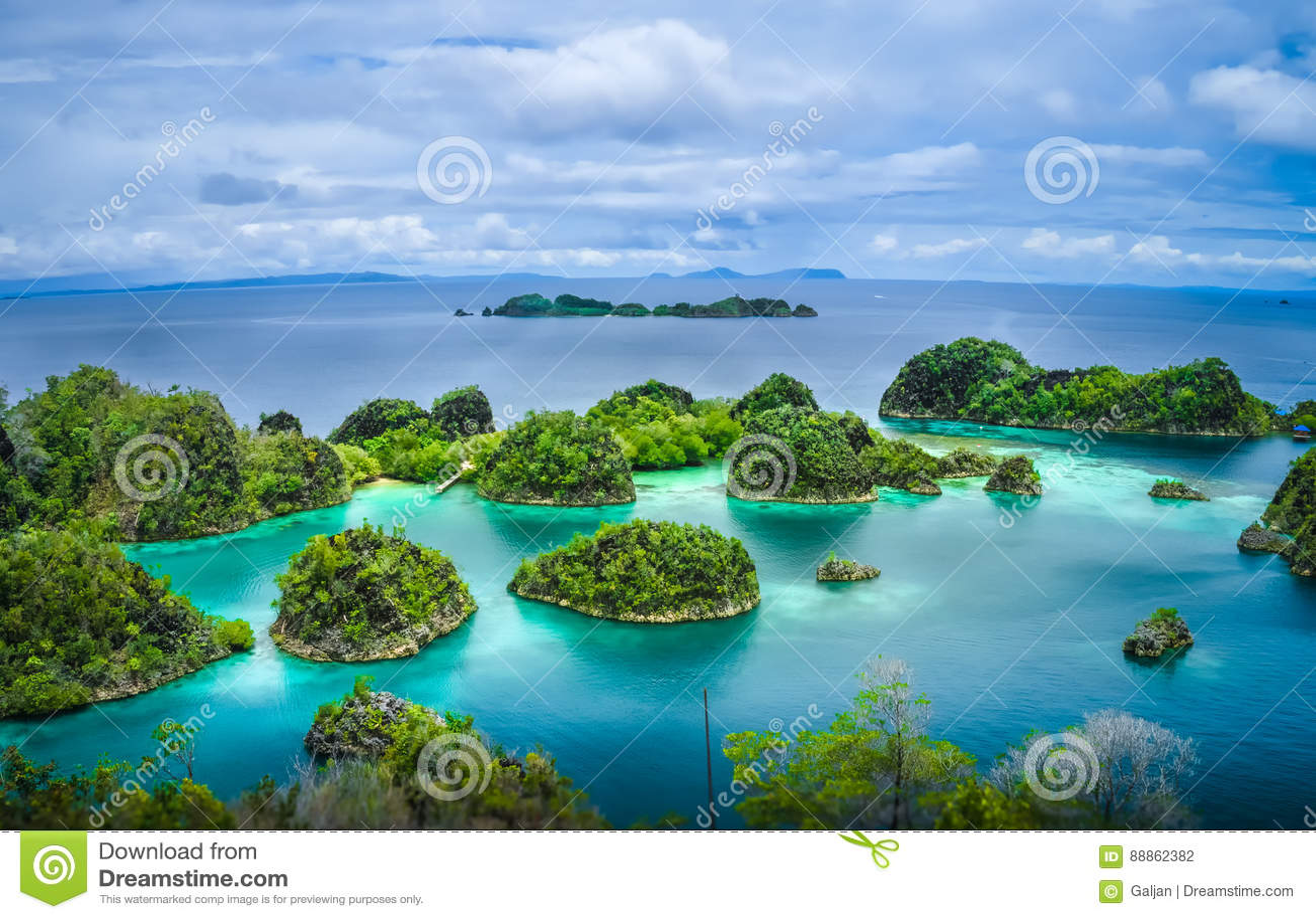 Pianemo wyspy, Raja Ampat, Zachodni Papua, Indonezja