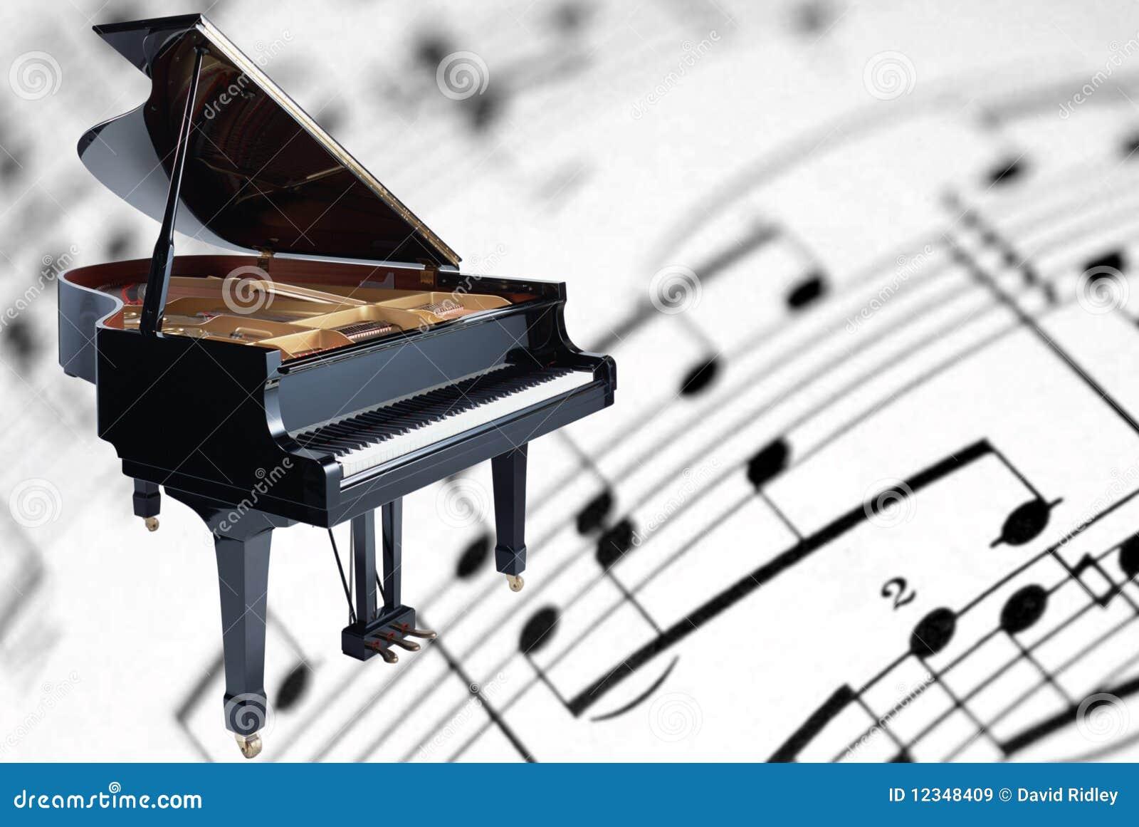 Piano à queue sur un fond de musique de feuille
