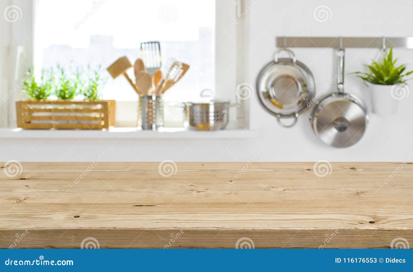 Piano D\'appoggio Di Legno Sull\'interno Vago Della Cucina Con Lo ...