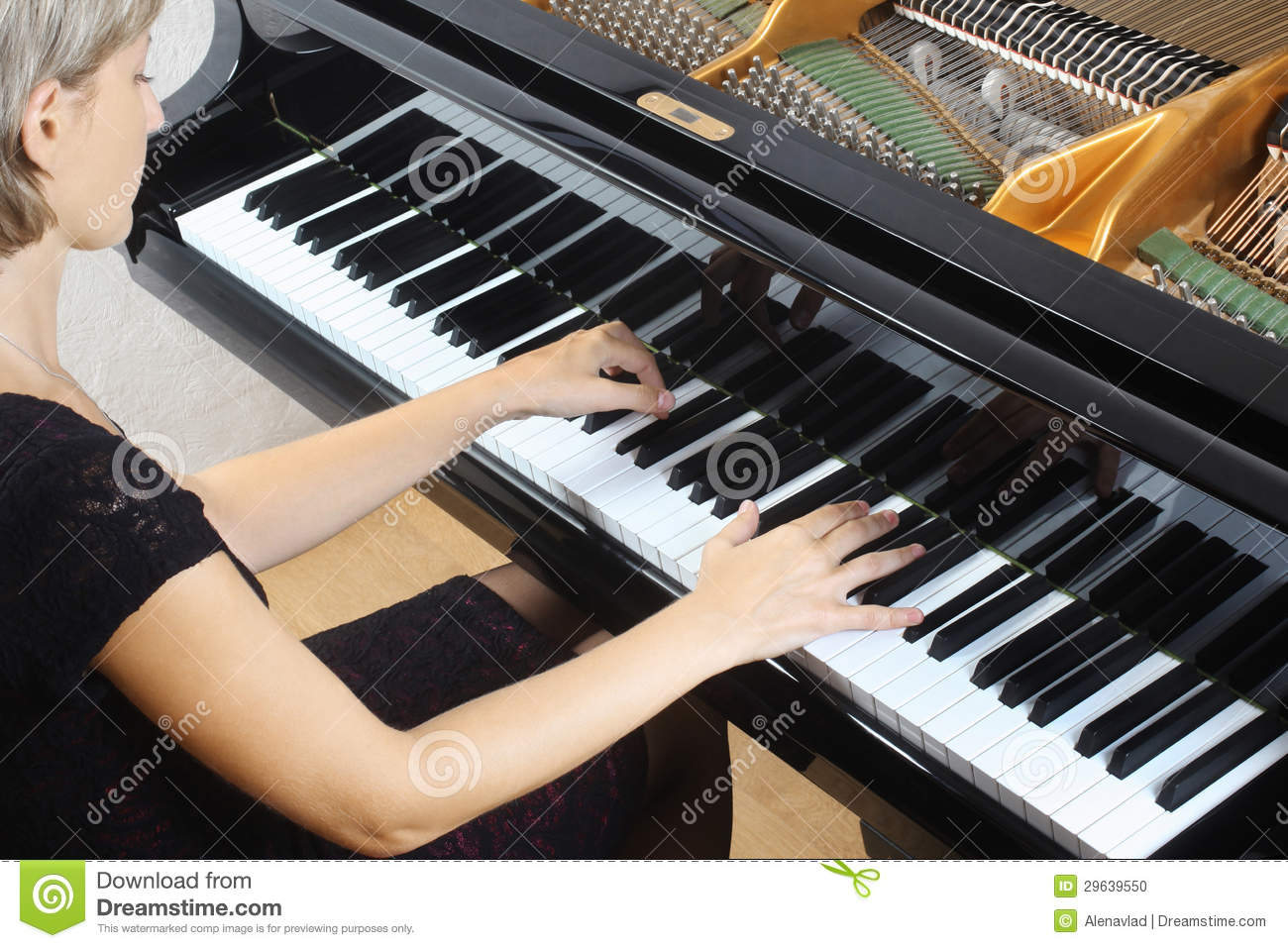 Piano Player Pianist Playing Stock Photo - Image: 29639550