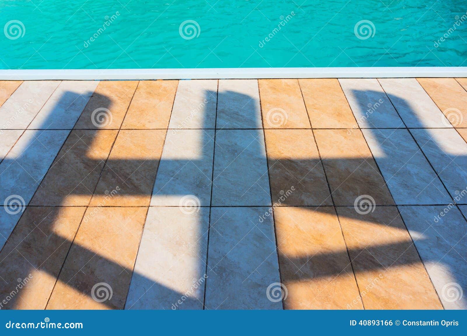 Piastrelle per pavimento e piscina fotografia stock immagine di