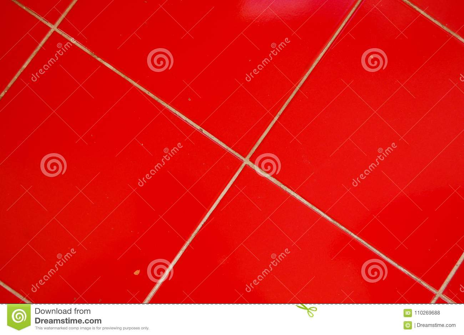 Piastrelle Per Pavimento Rosse Nella Cucina Fotografia Stock ...