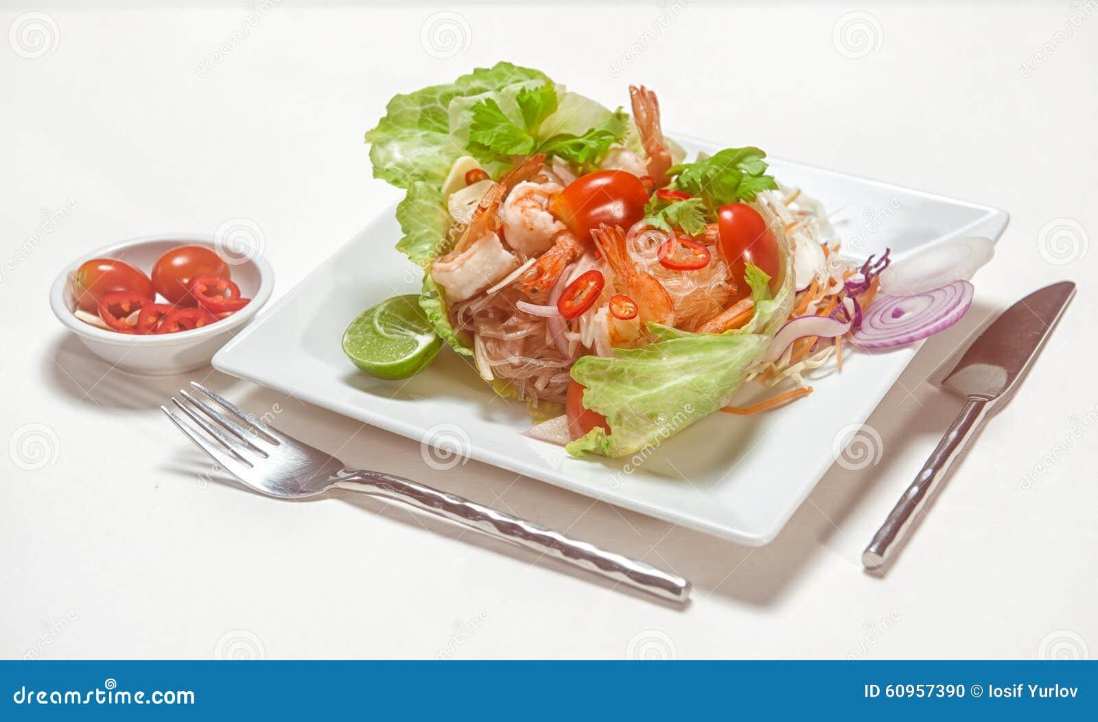 Disegno cucina internazionale : Piatti Di Cucina Internazionale In Ristorante Fotografia Stock ...