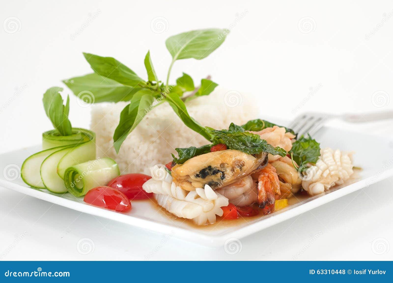Disegno cucina internazionale : Piatti Di Cucina Internazionale In Un Ristorante Fotografia Stock ...