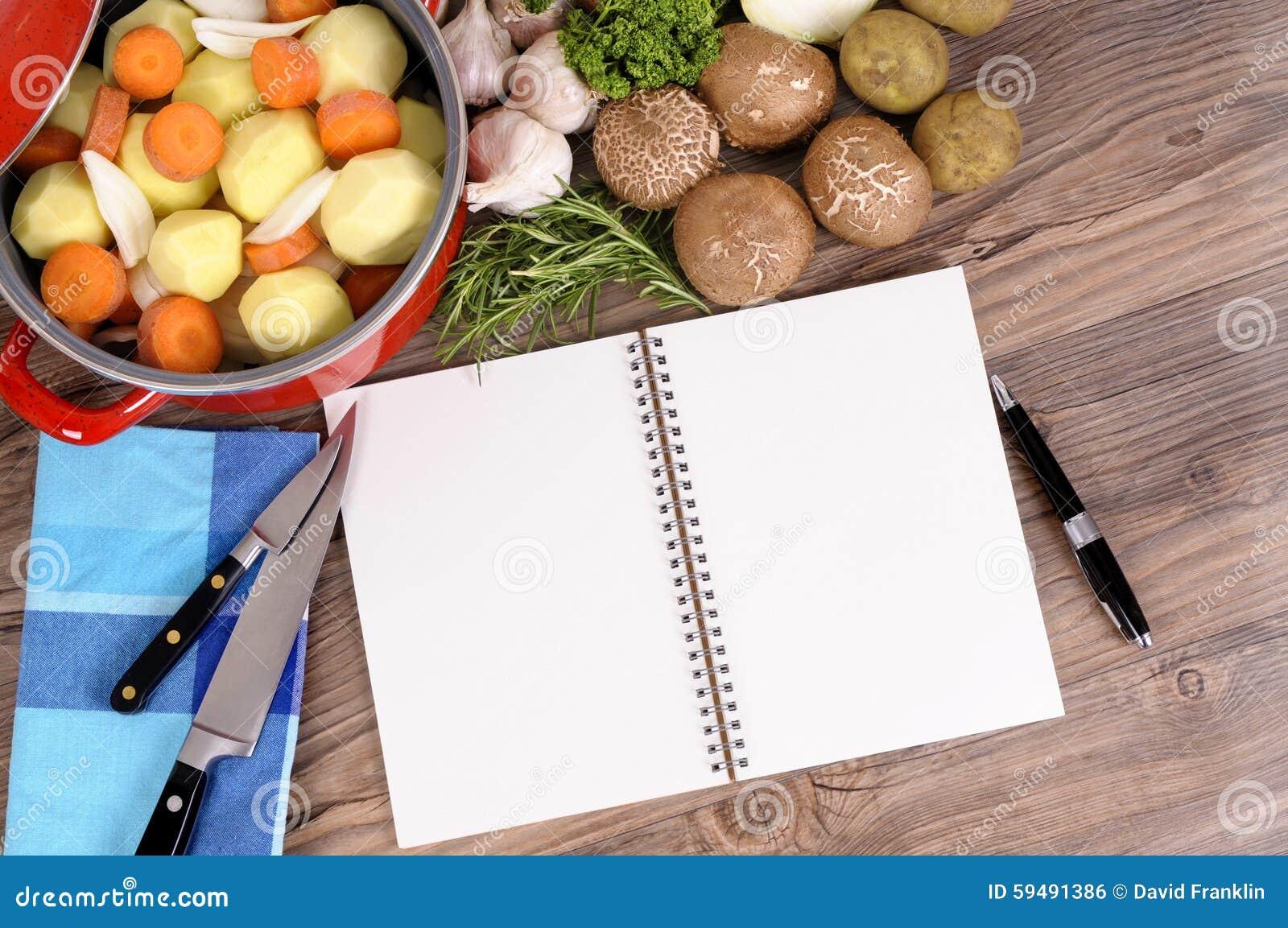Piatto della casseruola con le verdure ed il libro di for Piatto della cucina povera