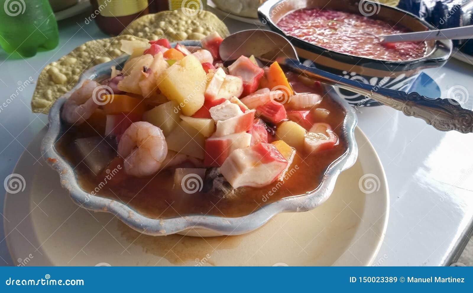 Piatto tradizionale delle coste del Messico per curare i postumi di una sbornia