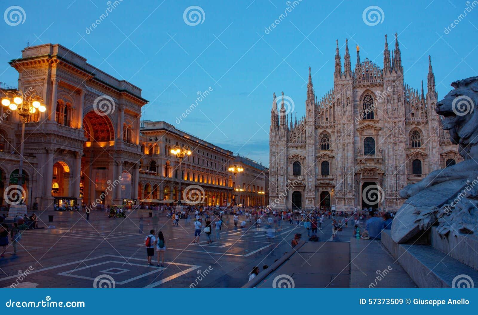 Piazza Del Duomo, Mediolan