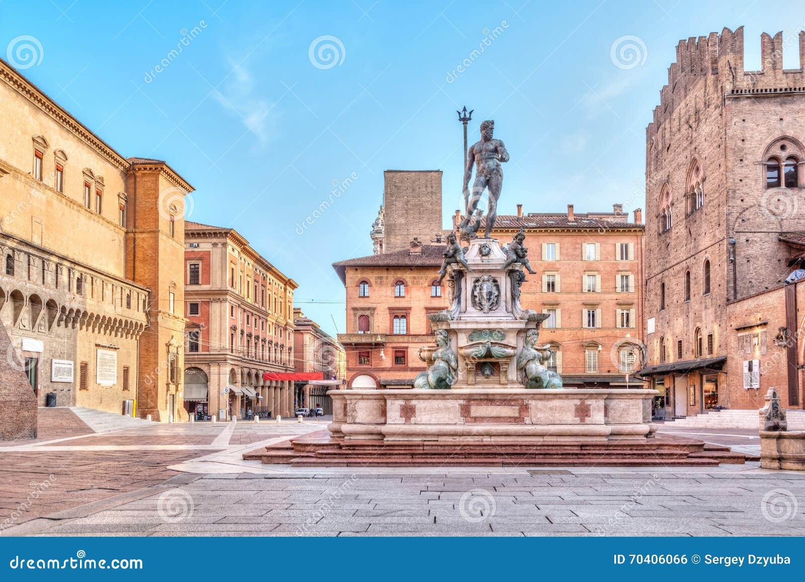 Piazza del Nettuno vierkant in Bologna