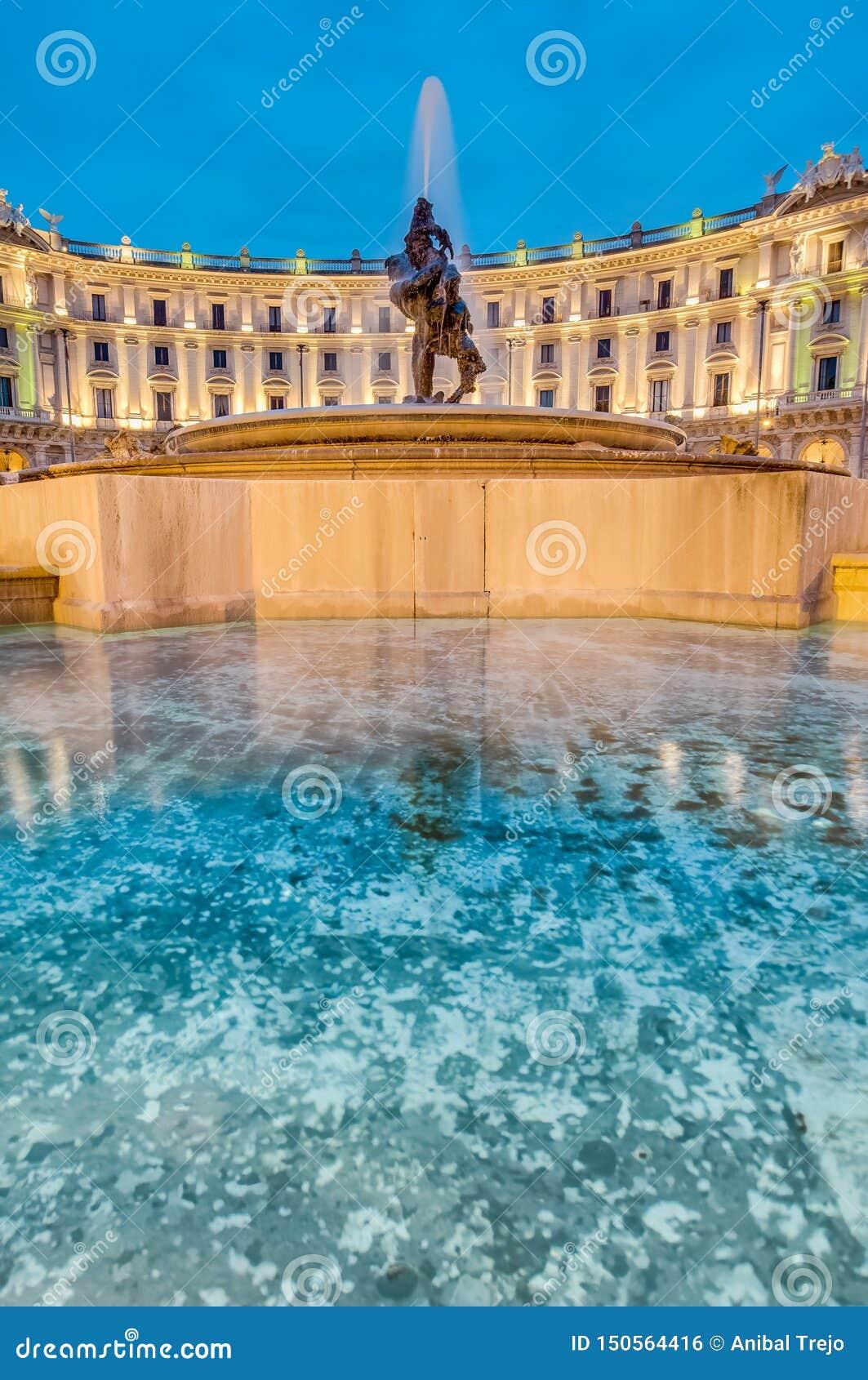 Piazza della Repubblica w Rzym, W?ochy