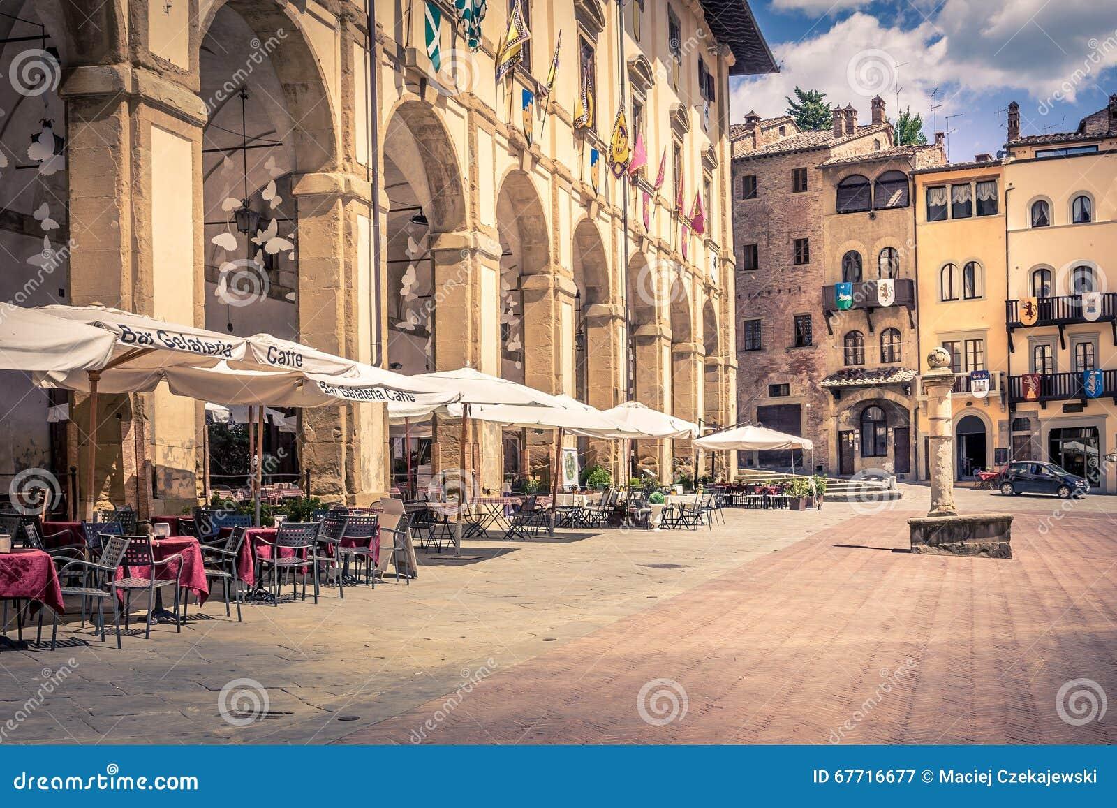 Piazza Grande in Arezzo-Stadt, Italien
