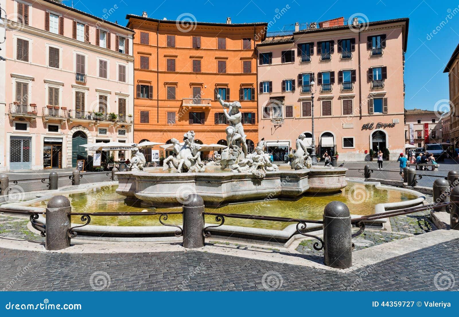 Piazza Navona, fontana di Nettuno a Roma, Italia