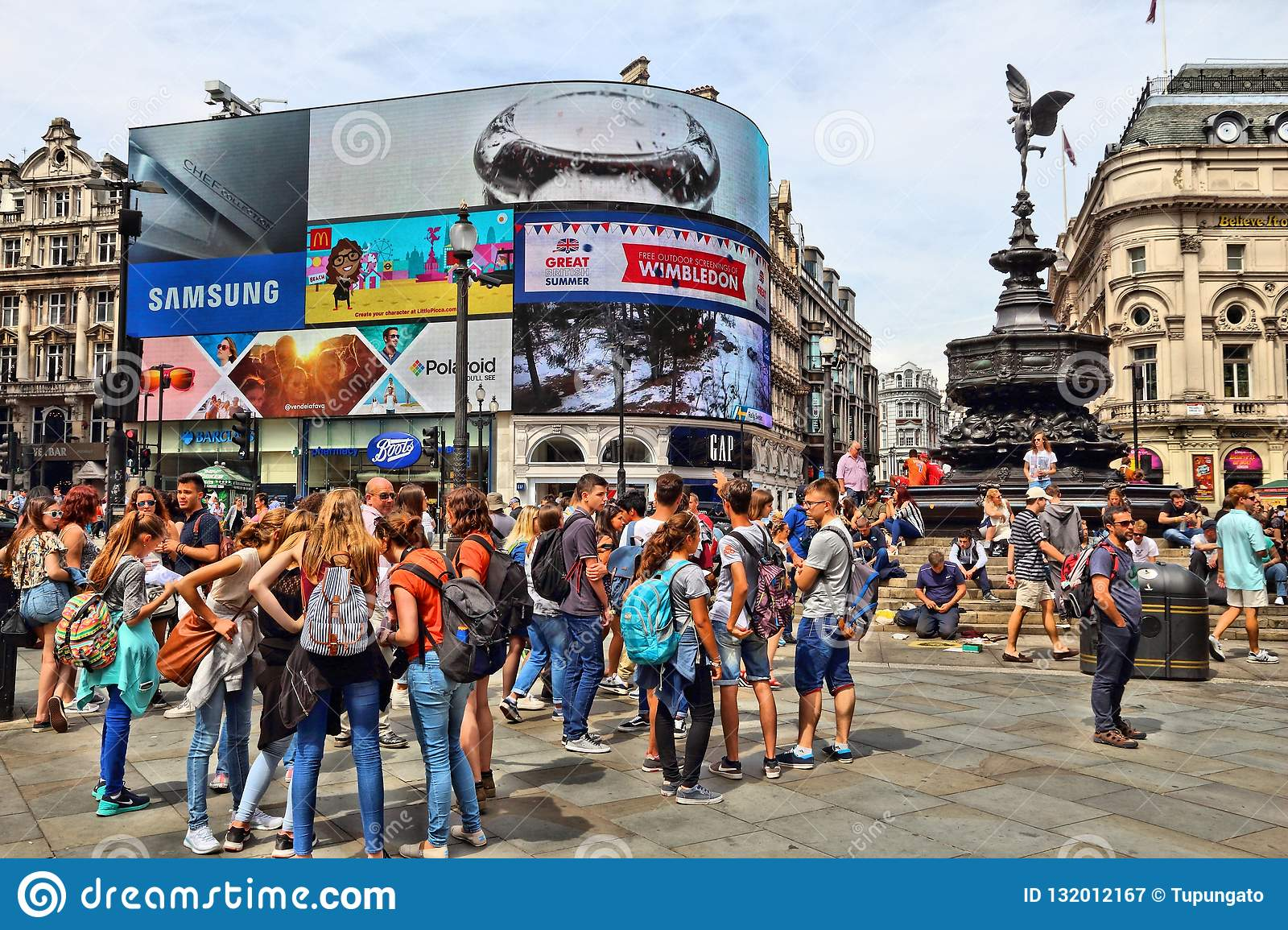 Bars Near Piccadilly Circus >> Piccadilly Circus London Editorial Photography Image Of